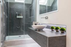 Castle II Bathroom by Kuche & Bagno