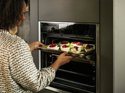 Neff Pyrolytic Self Cleaning Oven