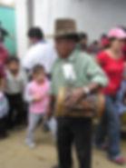 太鼓を鳴らすおっちゃんサンチアゴサカテペケス イベント会場入り口