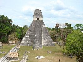 世界遺産のティカル遺跡