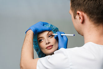 blepharoplasty-markup-close-up-on-the-face-before-the-plastic-surgery-operation-for-modify