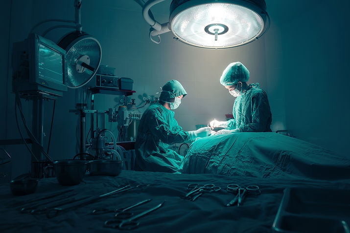 surgeons-team-working-with-monitoring-of