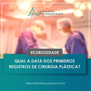 Os primeiros registros de Cirurgia Plástica.
