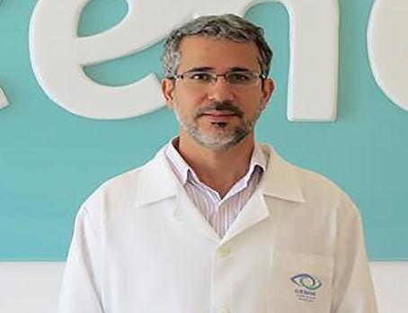 Dr. Cássio Brito Oliveira