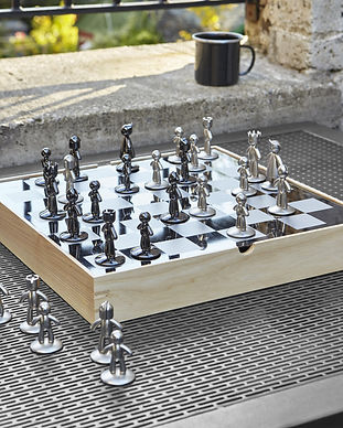 Umbra-Buddy-Chess-Set.jpg