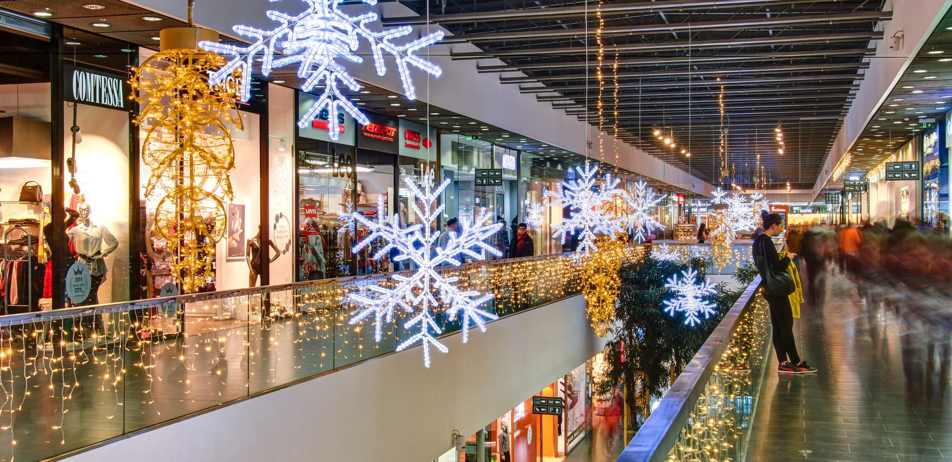 Centre commercial Cerny Most, Prague
