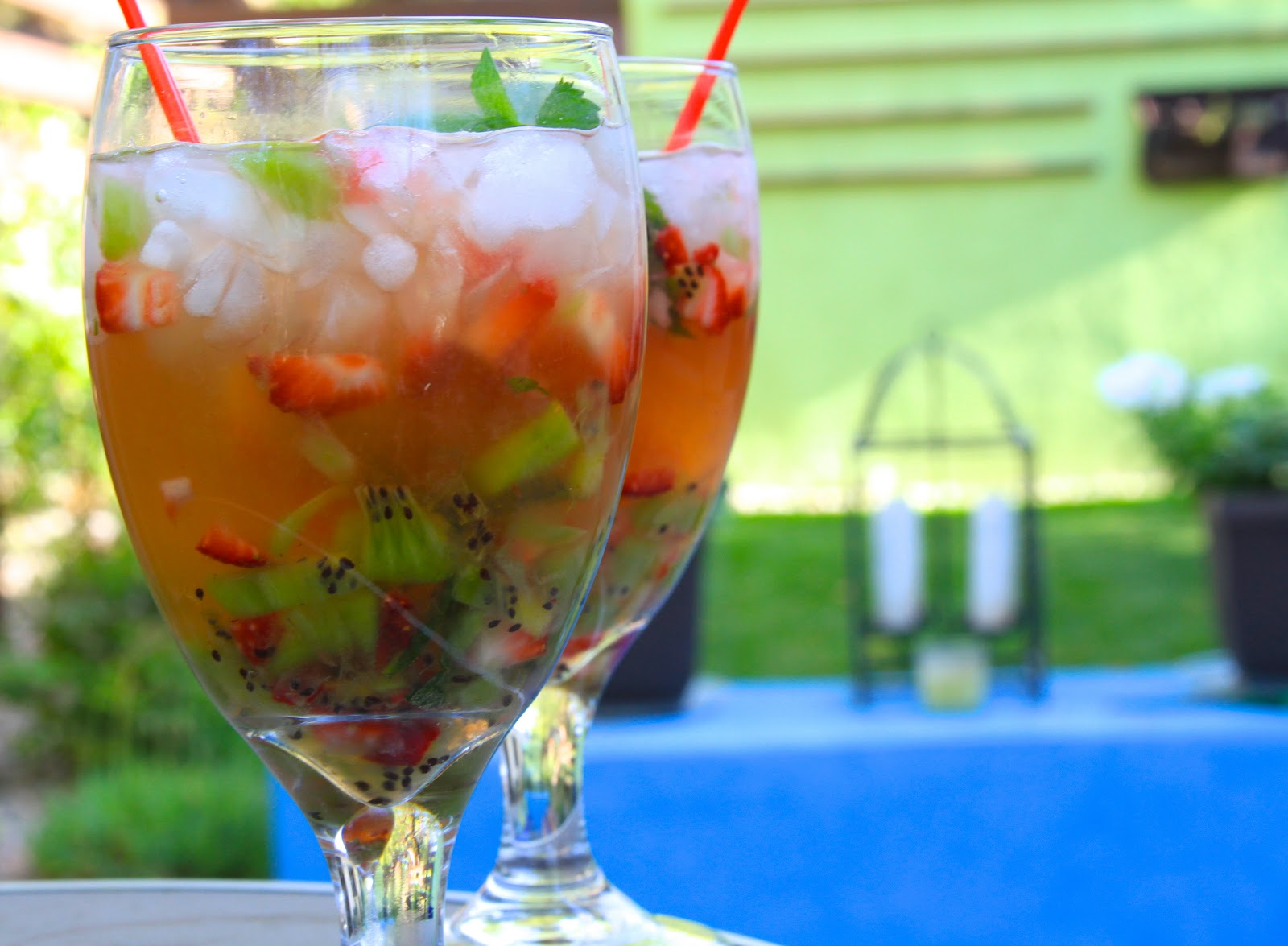 Kiwi Strawberry Caipirinha