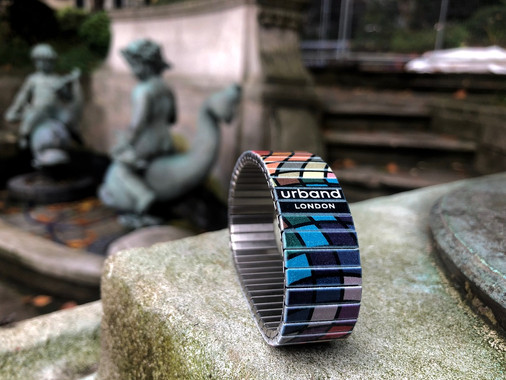 Urband London Waves Mosaic edgy bracelet relaxing at London Piccadilly's St James Park