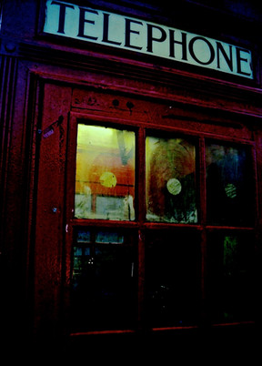Urband London Inspirations. The iconic phone booth, London - Photography by Raoul Sagal
