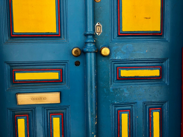 Urband London Inspirations, the right door for me. Photography by Raoul Sagal