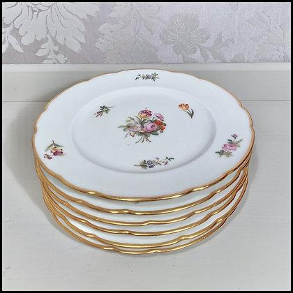 """6 assiettes à décor """"fleurs"""""""