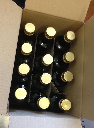 100% Olivenöl Qualität aus der Taggiasca Olive - in Kaltpressung schonend hergestellt mit mechanischen Verfahren