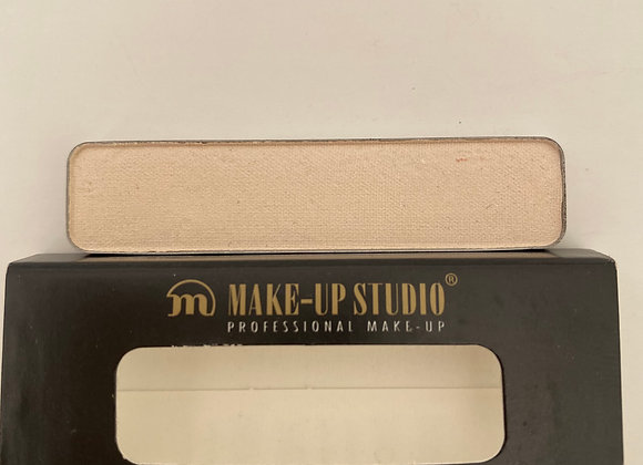 Eyeshadow refill no.106- matte nude ivory -Makeup Studio