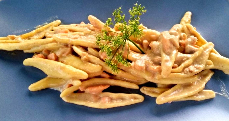 Cortecce salmone e crema di funghi