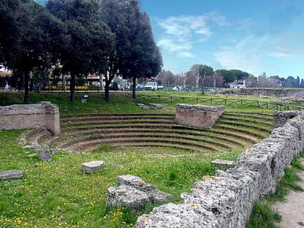 783-2-grande-1-paestum_athena_bouleuterion_img_0001