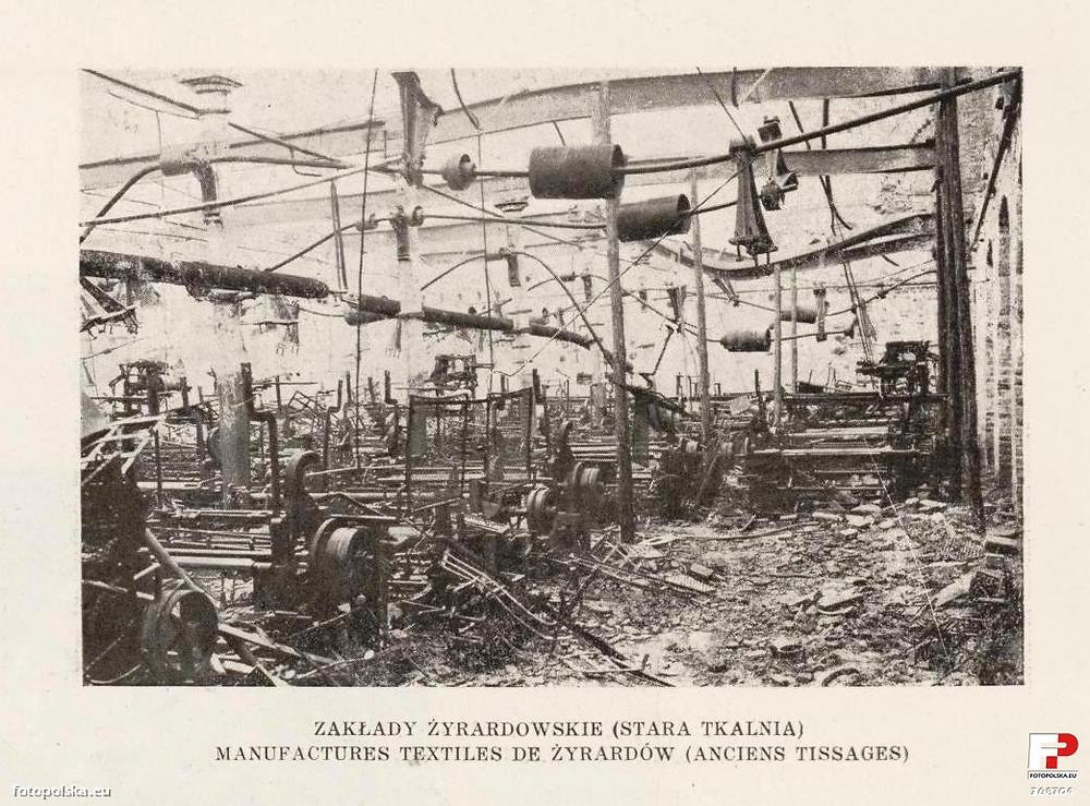Old weaving looms :: devastation after WWI
