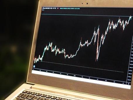 ¿Cómo analizar gráficos y leer patrones en el Trading? 📈💻