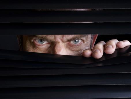 """Hai l'impressione di essere """"spiato"""" !"""