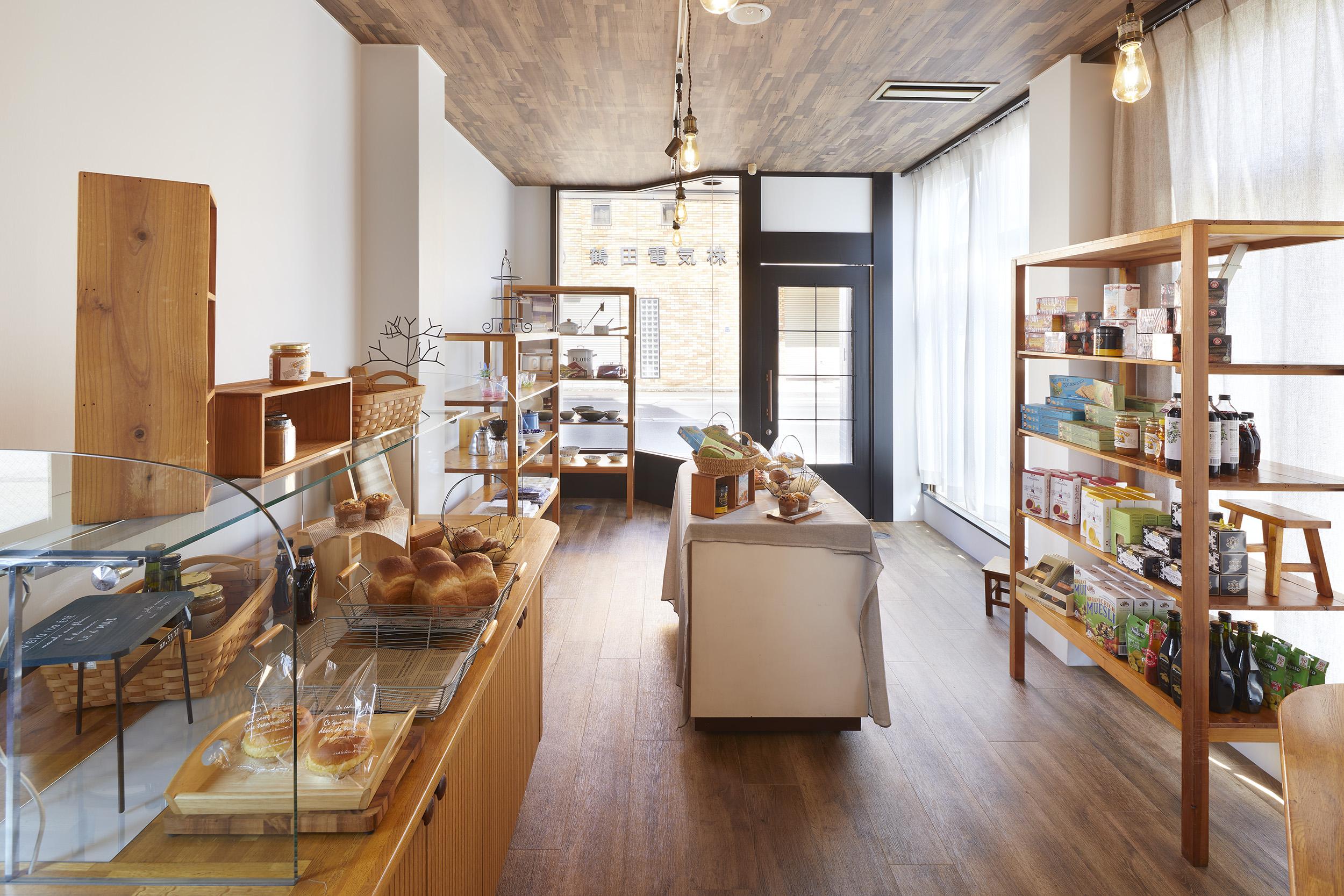 トートアーキテクツ安田智紀甲府のパン屋さんパンの樹