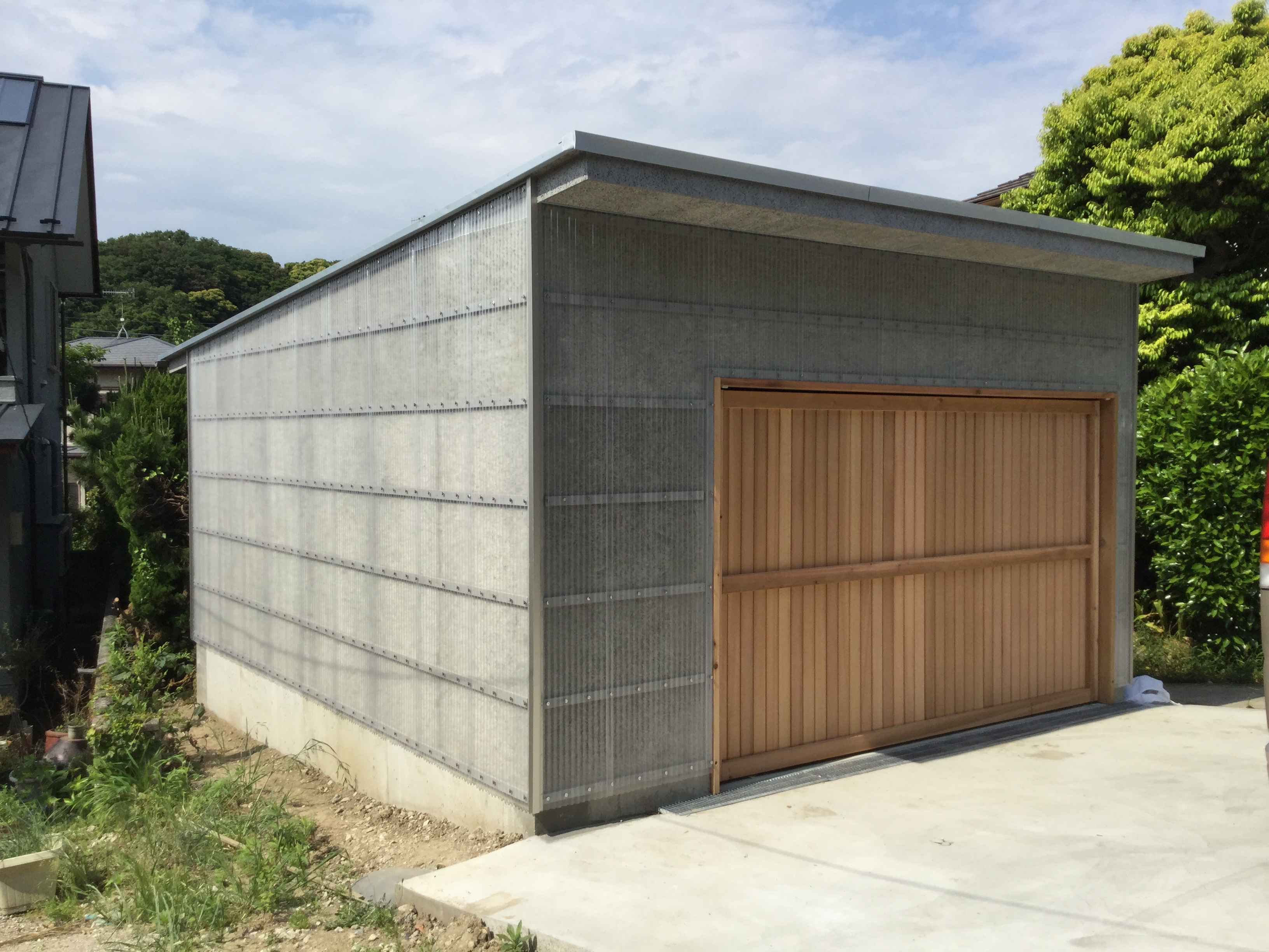 葉山の小屋、ガレージ アトリエトート 安田智紀