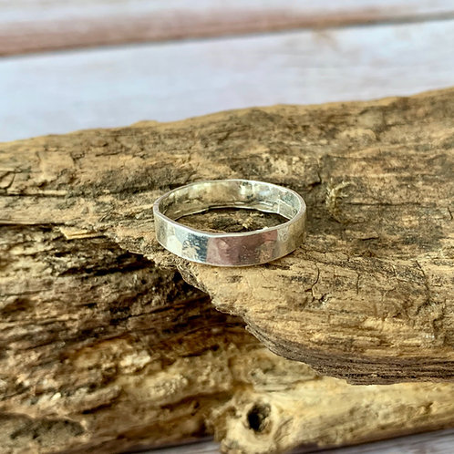 Sterling silver hammered 4mm ring - size O