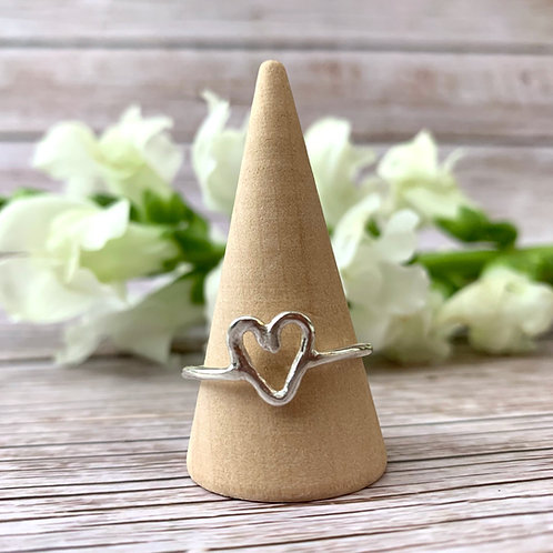 Sterling silver 1.5mm wire ring with open heart detail - Size V
