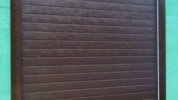 Секционные ворота Алютех 2750х2500 мм