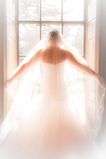 Plumetis, robes de mariée à Toulouse | Prise de rendez-vous en ligne |