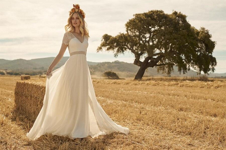 Découvrez notre nouvelle collection REMBO STYLING 2020 | Plumetis, Robes de Mariée à Toulouse & accessoires pour mariées