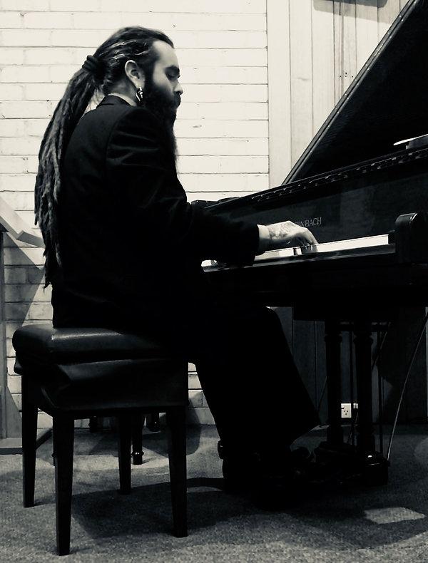 JON @ PIANO.JPG