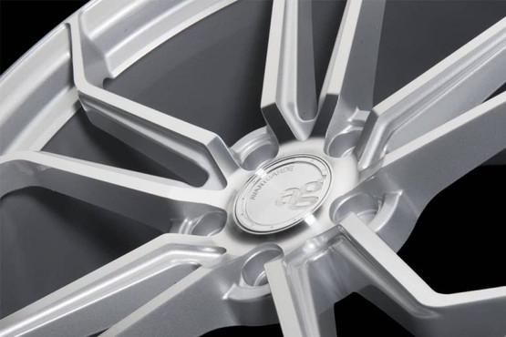 m632-silver-1024x684-min-768x513.jpg