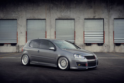 m220-machinesilver-gti-sidefront _ AG M2