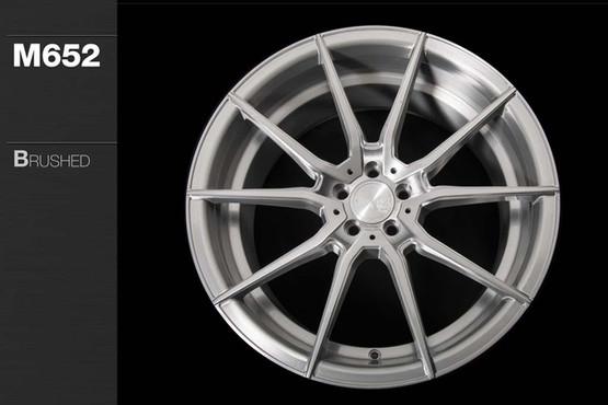 m652-brushed-aluminum_31019701083_o.jpg