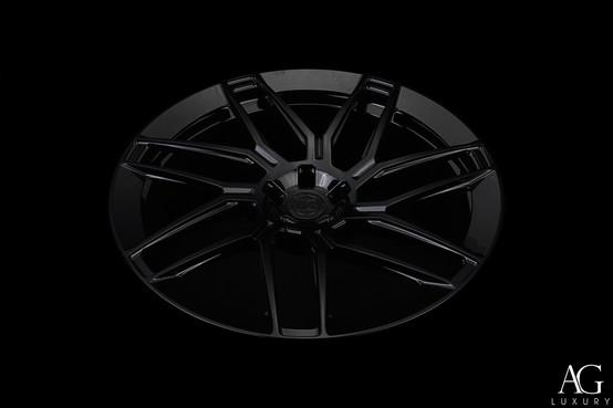 agl35-gloss-black-monoblock-aero-flange-agluxury-wheels-04.jpg