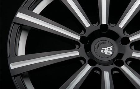 agl11-monoblock-gloss-black-white-accent