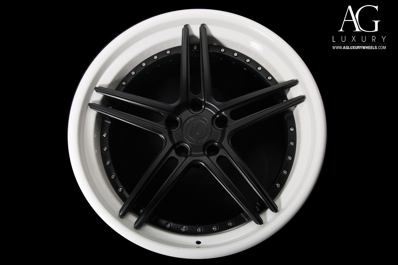 agl15-spec3-matte-black-gloss-white-lip-
