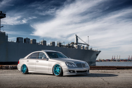 f410-mirror-turquoise-mercedes-e350-side