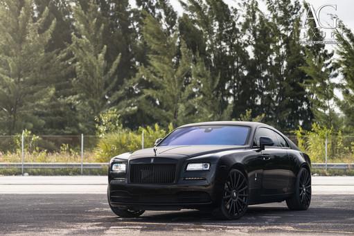 rolls-royce-wraith-agl20-matte-black-7.j