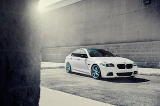 BMW 550i F10-Frozen-Blue _ AG M580.jpg