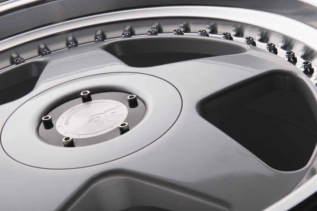 m240-hyper-silver-1024x684.jpg