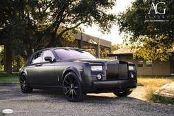 rolls-royce-phantom-agl11-gloss-black-1.