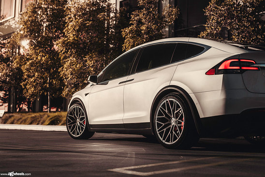 tesla-model-x-m520r-dark-graphite-metall