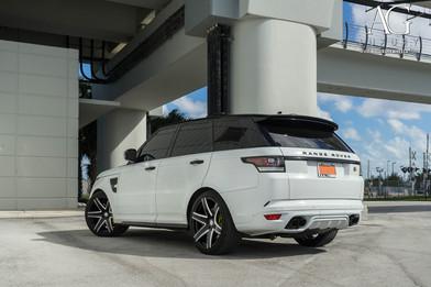 land-rover-range-rover-svr-agl34-gloss-b