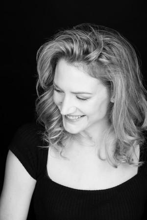 #SundayPortraitSessions - Sonja Bennett