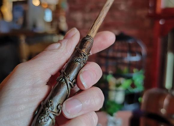 62 - Golden climbing leaf