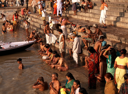 Ganges River Boat Tour / Bathing Ghats