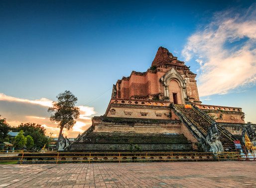 Chedi Luang & Local Market at Golden Triangle