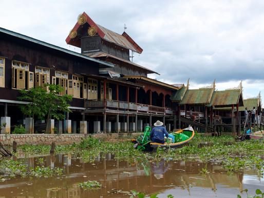 Nga Phe Kyaung Monastery (Jumping Cat Monastery)