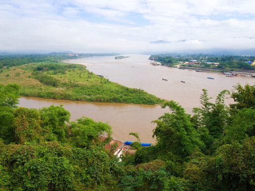 Golden Triangle - Chiang Saen River Long-Tail Boat Ride