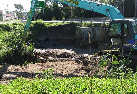 Creek Cleaning Bonelli Plant Hire Long Reach Excavator Hire Sunshine Coast